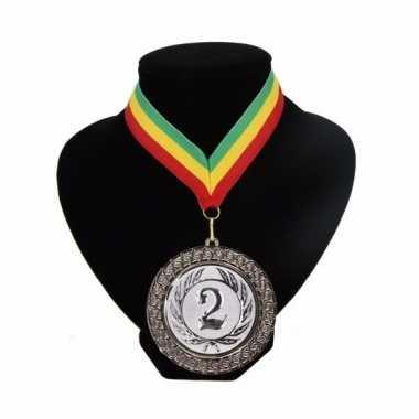 Medaille nr. 2 halslint groen geel rood