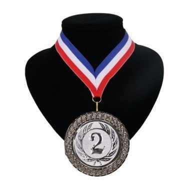 Medaille nr. 2 halslint rood wit blauw