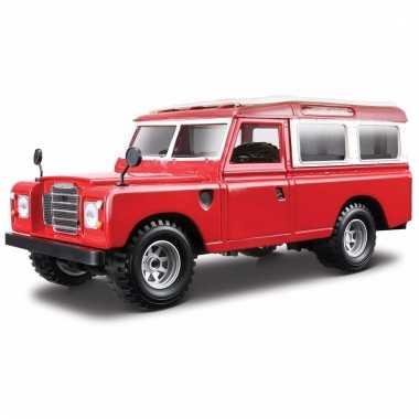Model auto land rover defender 110 1:24