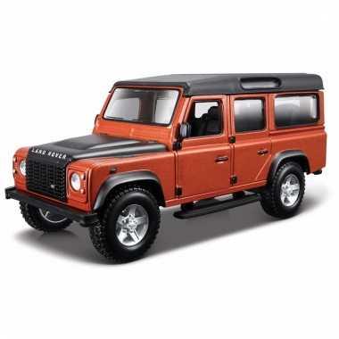 Model auto land rover defender 110 1:32