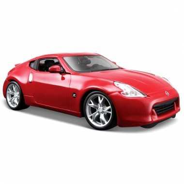 Model auto nissan 370z rood 1:24