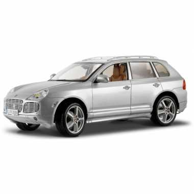 Model auto porsche cayenne turbo