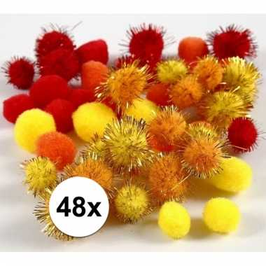 Multi kleur decoratieve pompons 15-20 mm