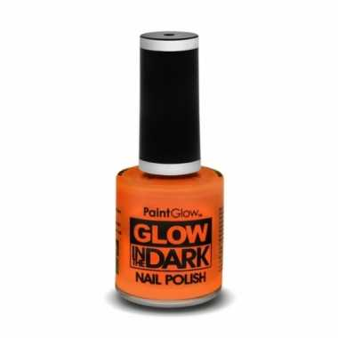 Neon oranje nagellak lichtgevend