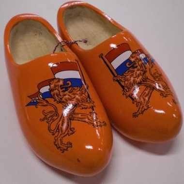 Oranje klompen met hollandse leeuw