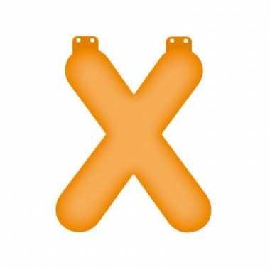 Oranje opblaasbare letter x