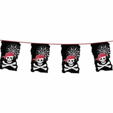 Piraten vlaggen slinger met doodshoofden