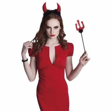Rode duivel set met hoorntjes en vork 40 cm