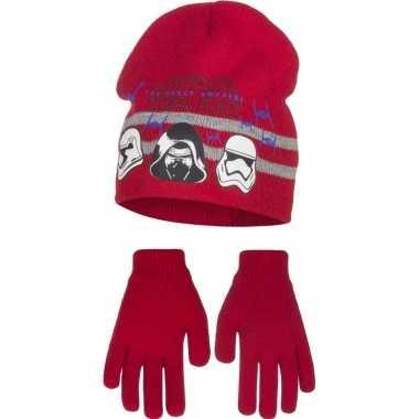 Rode kindermuts en handschoenen van star wars