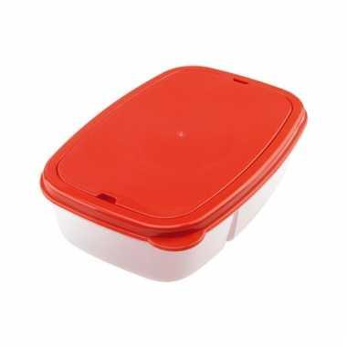 Rode lunchbox met bestek
