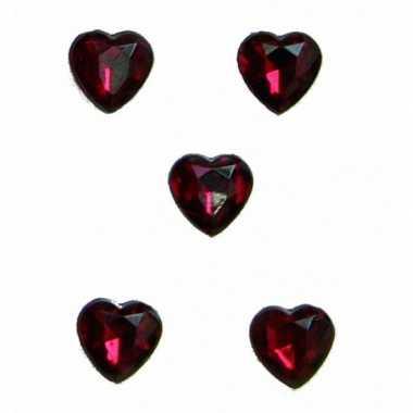 Rode steentjes in hartvorm 20 stuks