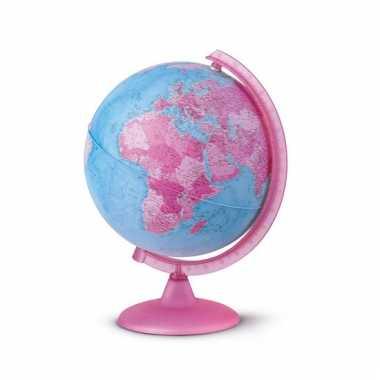 Roze wereldbol met dieren