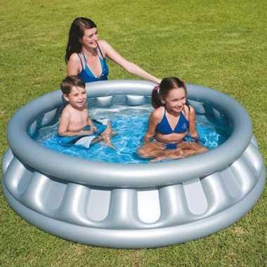 Ruimteschip zwembaden kinderen