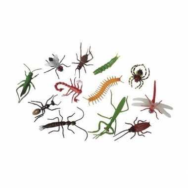 Speelgoed insecten plastic/rubber dieren 12 stuks