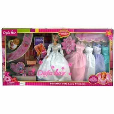 Speelgoed pop lucy met accessoires
