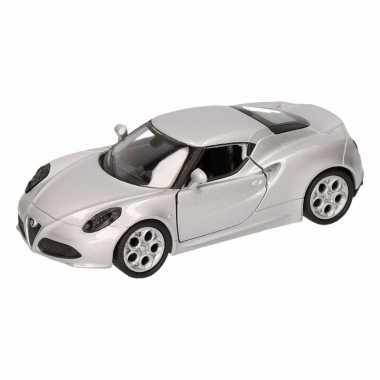 Speelgoedauto alfa romeo 4c 2013 zilver 16 cm