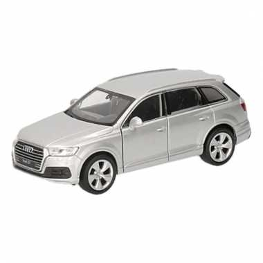 Speelgoedauto audi q7 zilver 12 cm