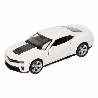 Speelgoedauto chevrolet camaro zl1 wit 12 cm