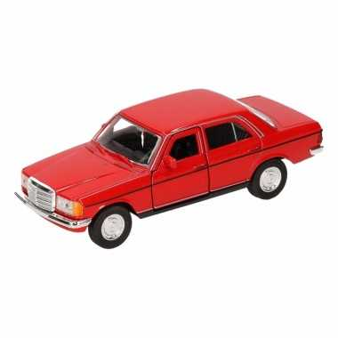 Speelgoedauto mercedes-benz w123 cabrio rood 16 cm