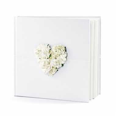 Trouwerij gastenboeken met hart
