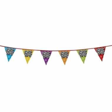 Vlaggetjes 65 jaar feestje