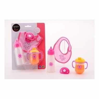 Voed accessoires voor poppen