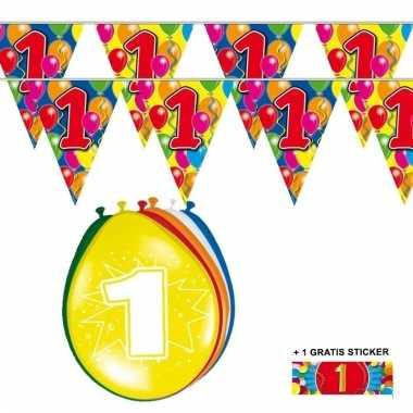 Voordeelverpakking 1 jaar met 2 slingers en ballonnen