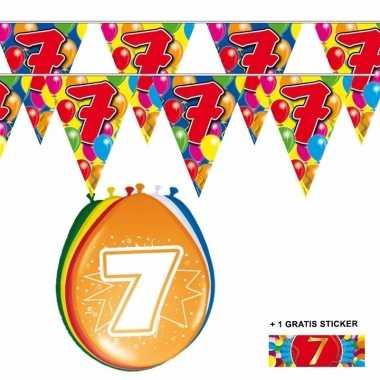 Voordeelverpakking 7 jaar met 2 slingers en ballonnen