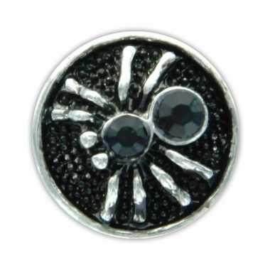 Zilveren chunk met spin zwart 1,8 cm