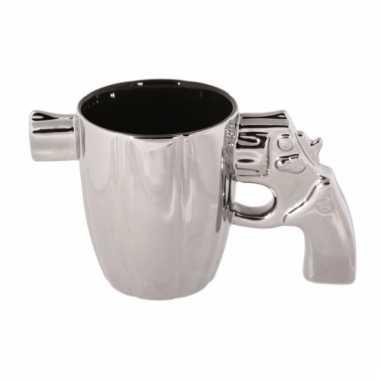 Zilveren mok pistool met loper