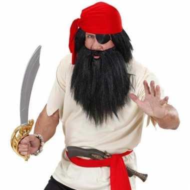 Zwartbaard met snor piraat