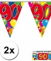 Afgeprijsde 2 x leeftijd vlaggenlijnen 90 jaar met sticker