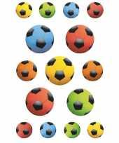 Afgeprijsde 45x gekleurde voetbal stickertjes voor kinderen