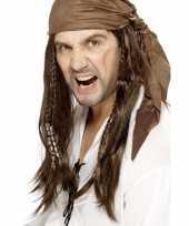 Afgeprijsde bruine lange piratenpruik voor heren