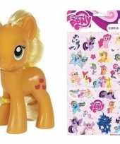 Afgeprijsde cadeau my little pony speelgoed paardje applejack met stickertjes