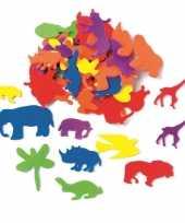 Afgeprijsde hobby foam 50x foam rubberen dieren gekleurd