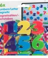 Afgeprijsde magnetische cijfers gekleurd