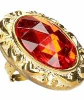 Afgeprijsde ring met grote rode diamant
