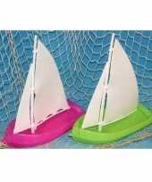 Afgeprijsde speelgoed zeilbootjes roze