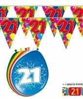 Afgeprijsde voordeelverpakking 21 jaar met 2 slingers en ballonnen