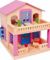 Clara houten poppenhuis voor buigpopjes