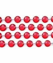 Rode slinger met kristalletjes